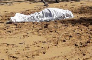 El otro ciudadano alemán salió sin ningún problema de la playa. Foto/Mayra Madrid