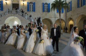 Las bodas masivas están al alza en Líbano. Treinta y cuatro parejas se casaron en una ceremonia reciente en Bkerke. Foto/ Dalia Khamissy para The New York Times.