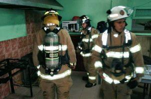 El Cuerpo de Bomberos es el ente encargado de fiscalizar el tema de seguridad en los edificios.
