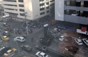 Desalojan Antigua Torre Generali. Foto/Bomberos Panamá