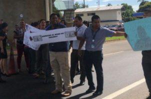 Funcionarios de aduana piden gratificaciones. Foto/Archivos