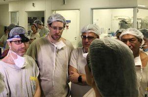 """""""El grupo de médicos brasileños ha demostrado que utilizar donantes fallecidos es una opción viable"""", dijo el doctor de la clínica, Tommaso Falcone, quien estuvo involucrado en el caso de Ohio. FOTO/AP"""