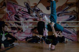 Sergey Chernyshev (der.) dijo que el break dancing involucra arte y estilo, así como fuerza física. Foto/ Emile Ducke para The New York Times.