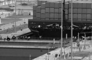 La ampliación del Canal de Panamá fue inaugurada la mañana del 26 de junio de 2016, con el tránsito del buque chino Cosco Shipping Panama, un neopanamax con capacidad de más de 9.400 contenedores. Foto: EFE.