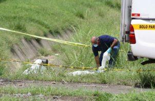 ADN en un guante de látex delata a mujer que mató a su esposo para vender su auto. Foto: Panamá América.