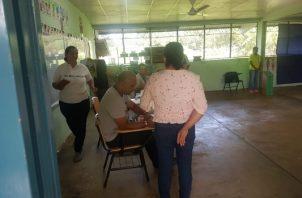 Los candidatos José Manuel González del partido Panameñista y Roberto Bultrón, del PRD, quien busca la reelección. Foto/Thays Domínguez
