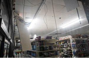 """El Departamento de Bomberos del condado de San Bernardino informó a través de Twitter que el sismo produjo """"deslizamientos de viviendas, grietas de cimientos y muros de contención derruidos""""."""