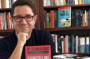 Camilo Cruz, motivador, escritor, conferencista y asesor. Pero, ante todo, un contador de historias de talla mundial. Camilocruzuniversity.com
