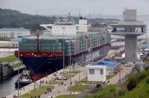 Por el Canal de Panamá pasa anualmente aproximadamente el 6 por ciento del comercio mundial. Foto/Archivo