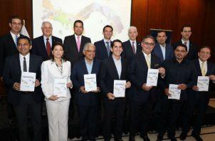 Cámara de Comercio presentó Agenda País 2019-2024 a los siete candidatos presidenciales. Foto/Archivos