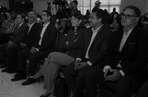 Los candidatos presidenciales durante uno de los foros realizados. Al centro, la candidata de libre postulación, Ana Matilde Gómez. Foto: Epasa.