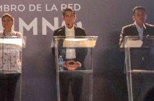 Seis de los siete candidatos participaron en el debate de anoche.