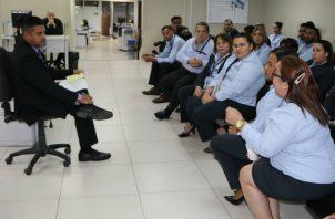 Los funcionarios acuden mucho más temprano ese día para participar de la actividad. Foto: MEF.