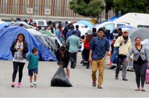 Se calcula que cada año hay unas 300.000 personas que emigran desde Honduras, Guatemala y El Salvador huyendo de la pobreza o de una violencia.