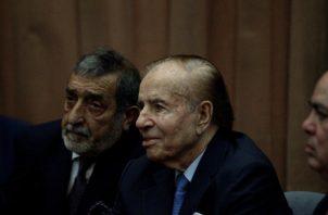 Carlos Menem fue presidente de Argentina en los períodos comprendidos entre (1989-1999). FOTO/EFE