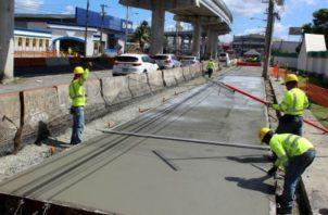 Algunas carreteras del país están siendo construidas con cemento Portland, el que se proponía en el proyecto. Foto de Víctor Arosemena