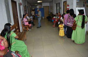 """""""Las Casas Maternas forman parte de la estrategia de salud pública destinada a disminuir las muertes materno-infantiles en la comarca Ngäbe Buglé"""", expresó el Lic. Ferreira."""