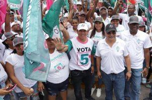 Luis Casís, junto a otros miembros de CD, se ha dedicado a recorrer el país.