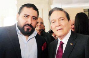 Catalino Rosas, dirigente del Movimiento Independiente Progresista junto al presidente electo Laurentino Cortizo.