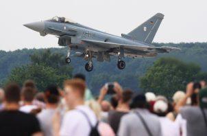Se investiga la situación de los pilotos de las aeronaves implicadas en este accidente. FOTO/AP