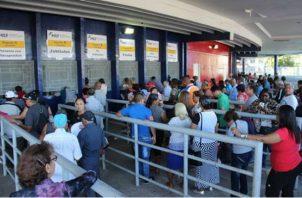 Los comercios o particulares tienen que ir al MEF antes del 15 de octubre para que los puedan cambiar al 100% en el Banco Nacional de Panamá (BNP) los Cepadem. Foto/Cortesía