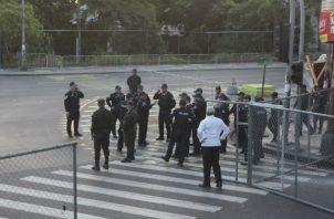 Cerco policial en la entrada de la 5 de Mayo.