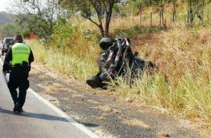 El vehículo quedó en una cuneta. Foto: Eric A. Montenegro.