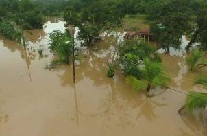 Más de 15 residencias resultaron afectadas en Chilibre por paso de onda tropical. Foto: Redes sociales.