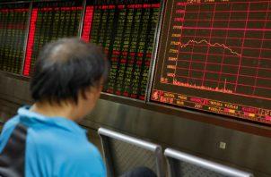 Los mercados financieros de Wall Street reaccionaron con fuertes caídas. Foto/Efe