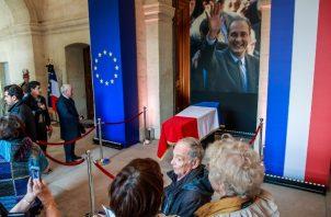 La población en una encuesta aseguran que Jacques Chirac, ha sido uno de los mejores presidentes de Francia. FOTO/AP