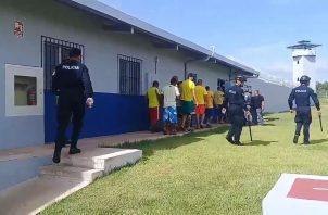Cárcel de David durante las horas de visita. Foto: José Vásquez.