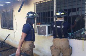 La alerta sobre el incendio fue dada por el conductor de un taxi. Foto/Thays Rodríguez