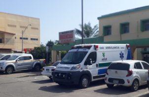 Marcos Castillo, director del centro médico, informó que el menor fue estabilizado en Las Minas y trasladado a Chitré en ambulancia, donde se le dio la atención médica.Foto/Thays Domínguez