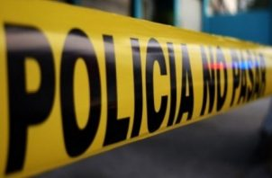 Unidades de la Policía Nacional llegaron a Calle 11, Las Acacias, y acordonaron con cinta amarilla la escena del crimen.