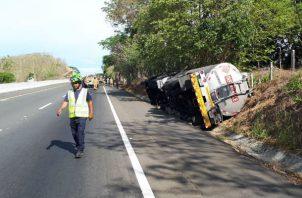 El camión llevaba 6 mil galones de gasolina y 2 mil 300 galones de diesel. Foto: Mayra Madrid.