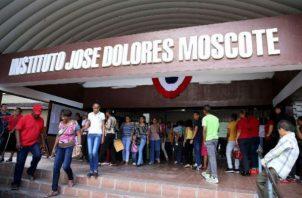 El Meduca se comprometió a realizar más de 20 reparaciones en el colegio José Dolores Moscote. Foto: Panamá América.