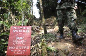 Tanto militares como policías y civiles --incluso menores de edad-- han sido víctimas de estos artefactos que están bajo la tierra y cualquiera podría pisar por error.  FOTO/ARCHIVO