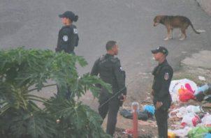 Funcionarios del Ministerio Público llegaron a la comunidad, para iniciar las investigaciones del caso. Foto/Diómedes Sánchez