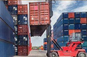 Colón, cuenta con tres puertos marítimos donde se necesita el visto bueno de aduanas, para el comercio mundial. Foto/Diómedes Sánchez
