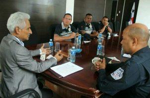 En la reunión se habló de las amenazas de que son objetos los comerciantes. Foto/Diómedes Sánchez