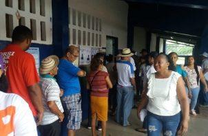 Los colonenses muy temprano acudieron a las urnas. Foto/Diómedes Sánchez