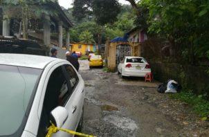 Cerca de horas del mediodía, se hizo el levantamiento del cadáver y se trasladó hacia la morgue judicial en el antiguo hospital Dr. Manuel Amador Guerrero.