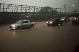 La fuertes lluvias no ha cesado desde horas de la madrugada.