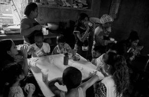 El comedor infantil en Las Mañanitas podría ser una alternativa para alimentar a los niños.  Foto: EFE.