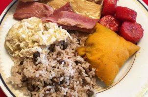 El arroz con guandú y tamales son de los preferidos en la cena navideña. Foto: Cortesía