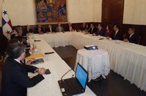 Además del informe, la comisión hizo entrega de una serie de recomendaciones de la ciudadanía.