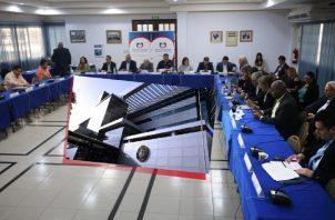 Ayer, el pleno de la Concertación Nacional para el Desarrollo recibió el paquete inicial de las propuestas, que someterá a la Asamblea cuando esté consensuado.  Foto de Twitter