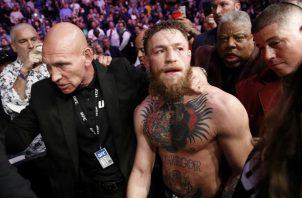 """Conor """"The Notorius"""" McGregor,  fue escoltado luego de la pelea. Foto:AP"""