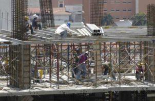 El sector construcción está desacelerado desde hace dos años. Archivo