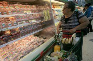 Acodeco recomienda  a los consumidores que comparen precios.
